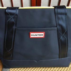 Hunter Bags   Target Large Dark Navy Zipper Tote   Poshmark bd2a800560